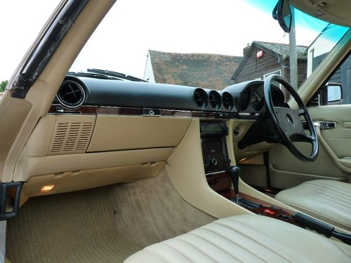 1986 Mercedes 300 SL, in beautiful condition, SOLD SOLD (picture 5 of 6)