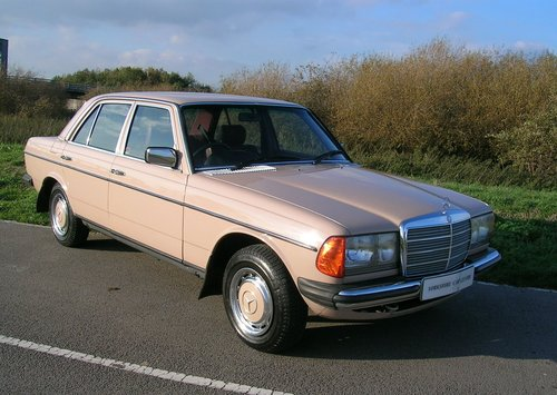 1983 Mercedes 240D Diesel  For Sale (picture 1 of 6)