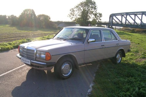 1983 Mercedes 240D Diesel  For Sale (picture 2 of 6)