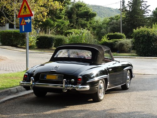 1961 Mercedes-Benz 190SL Coupe with Soft Top, Concours cond. For Sale (picture 3 of 6)