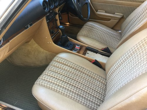 1982 Mercedes Benz 280SL For Sale (picture 3 of 6)