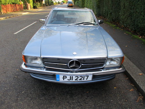 MERCEDES 350 SL AUTO 1977 STUNNING LOW MILEAGE H & S TOPS For Sale (picture 4 of 10)