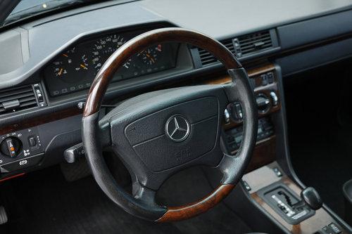 1993 Mercedes E 500 5,0 Aut  For Sale (picture 4 of 6)
