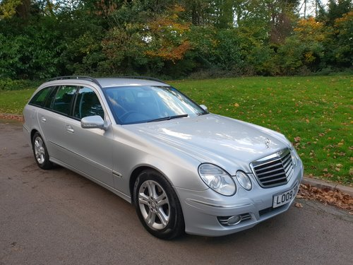 2009 Mercedes E220 CDi Avantgarde. Estate. Bargain To Clear. SOLD (picture 1 of 6)