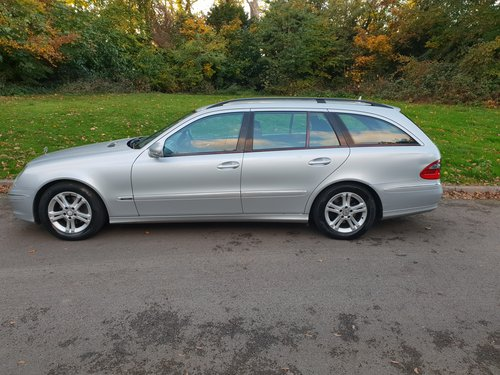 2009 Mercedes E220 CDi Avantgarde. Estate. Bargain To Clear. SOLD (picture 2 of 6)