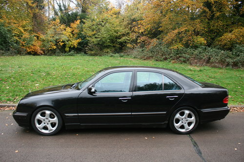 2002 Mercedes E320 CDi Avantgarde.. Bargain To Clear.. SOLD (picture 2 of 6)