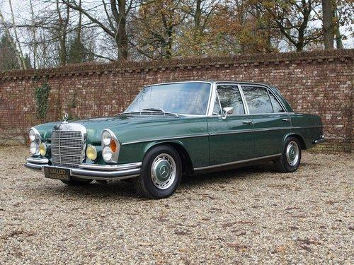 1972 Mercedes Benz 300SEL 3.5 original colour scheme, low mileage For Sale (picture 1 of 6)
