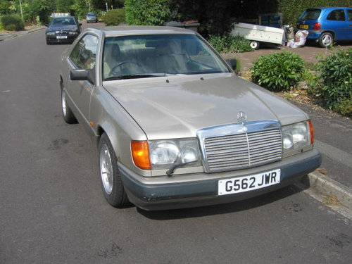 1989 Mercedes 300 CE pillarless coupe For Sale (picture 1 of 6)