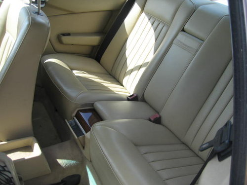 1989 Mercedes 300 CE pillarless coupe For Sale (picture 4 of 6)