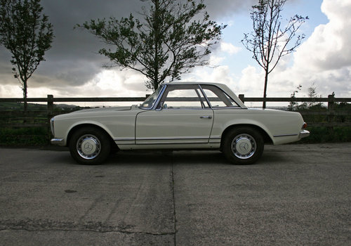 1968 RHD 280SL Auto Pagoda For Sale SOLD (picture 3 of 6)