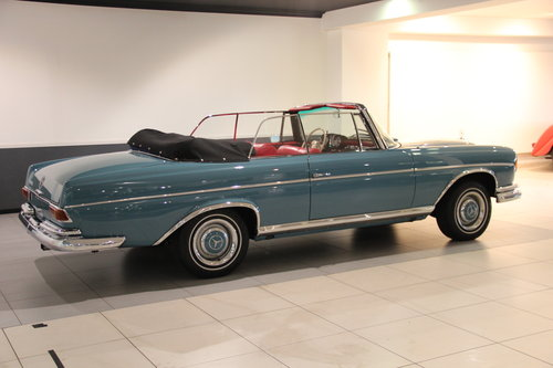1964 Mercedes Benz 300 SE Convertible For Sale (picture 2 of 6)