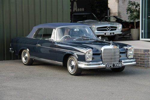 1964 MERCEDES-BENZ 220 SE | STOCK# 2044 For Sale (picture 1 of 6)
