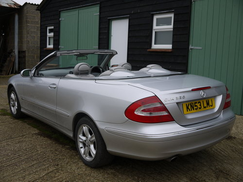 2003 MERCEDES BENZ CLK320 CABRIOLET - GREAT VALUE !! SOLD (picture 3 of 6)