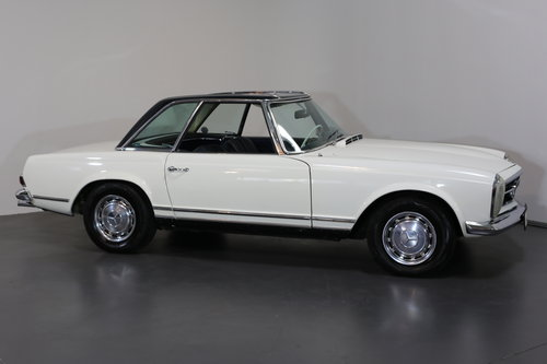 An early production 1968 W113 Mercedes 280 SL Automatic  SOLD (picture 1 of 6)