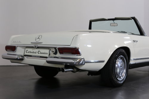 An early production 1968 W113 Mercedes 280 SL Automatic  SOLD (picture 4 of 6)