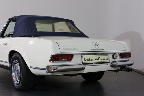An early production 1968 W113 Mercedes 280 SL Automatic  SOLD (picture 5 of 6)
