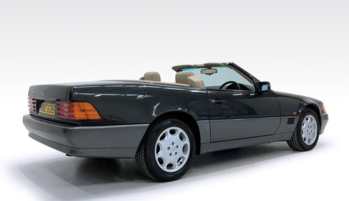 1995 Mercedes SL320 SOLD (picture 2 of 6)