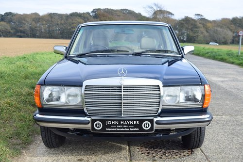 1983 Mercedes-Benz 230E SOLD (picture 5 of 6)