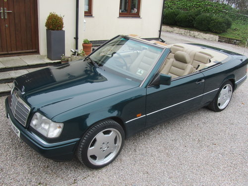 1995 Mercedes E220 Convertible 2.2 ltr W124 Series For Sale (picture 1 of 6)