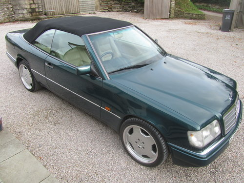 1995 Mercedes E220 Convertible 2.2 ltr W124 Series For Sale (picture 2 of 6)