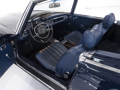 1969 Mercedes-Benz 280SL Roadster For Sale (picture 4 of 6)