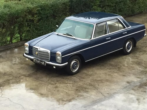 1975 Mercedes 240 D w115 RHD / Automatic for sale For Sale (picture 1 of 6)