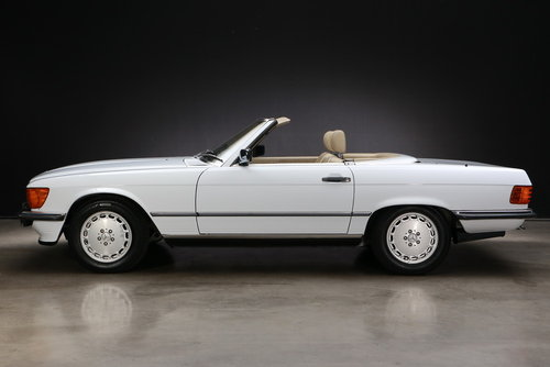 1986 Mercedes-Benz R107 300 SL Roadster For Sale (picture 2 of 6)