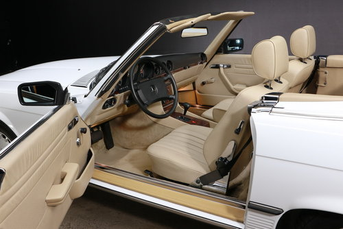 1986 Mercedes-Benz R107 300 SL Roadster For Sale (picture 5 of 6)