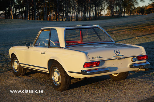 1965 Mercedes 230 SL with 57.000km from new.  For Sale (picture 5 of 6)