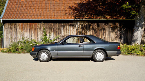 1991 Mercedes Benz 300CE Coupe For Sale (picture 1 of 6)