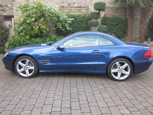 2004 Mercedes Benz SL500 For Sale (picture 1 of 6)
