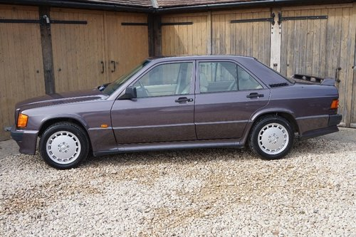 1992 Mercedes-Benz 190 1.8 E 4dr COSWORTH BODYKIT For Sale (picture 2 of 6)