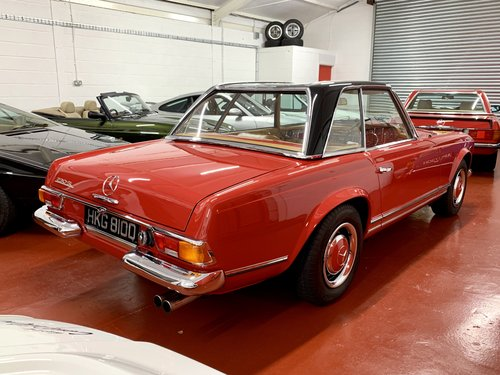 1966 Mercedes 230 SL - UK Matching Numbers - Stunning Restoration For Sale (picture 2 of 6)