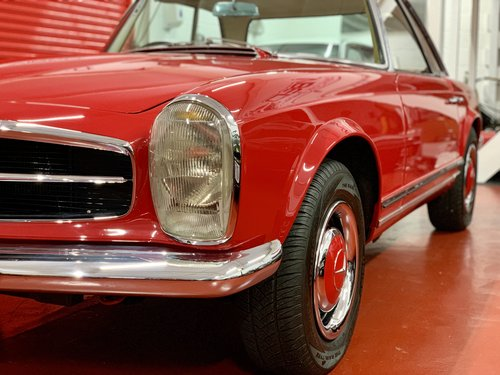 1966 Mercedes 230 SL - UK Matching Numbers - Stunning Restoration For Sale (picture 3 of 6)