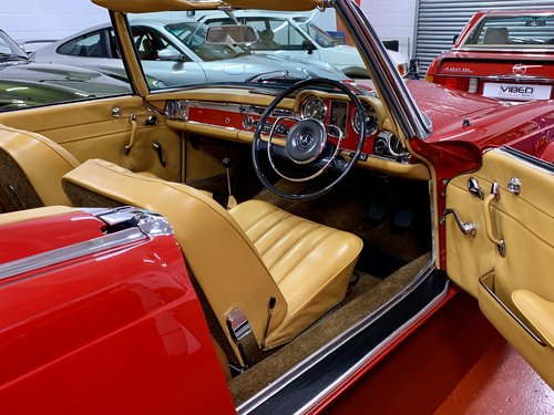 1966 Mercedes 230 SL - UK Matching Numbers - Stunning Restoration For Sale (picture 4 of 6)