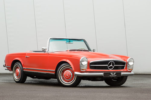 1967 Mercedes Benz 230SL Pagoda  SOLD (picture 1 of 6)