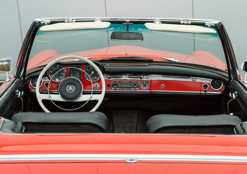 1967 Mercedes Benz 230SL Pagoda  SOLD (picture 3 of 6)