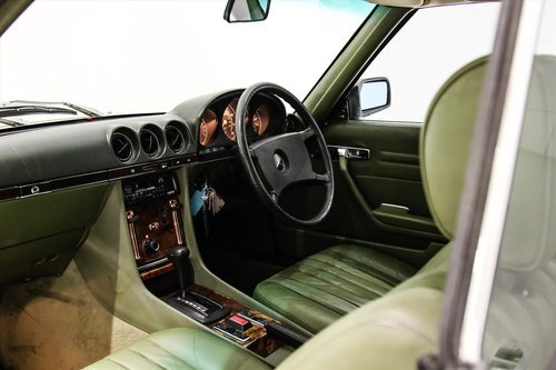 1981 Mercedes 380SLC Automatic - 17200 Miles Only For Sale (picture 4 of 6)