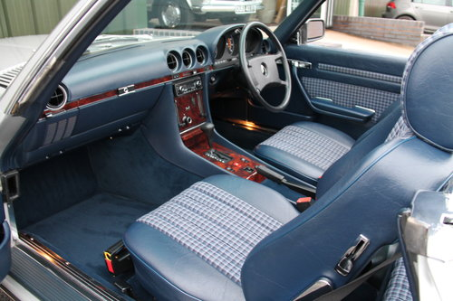 1986 Mercedes-Benz 300SL (R107) just 27,000 miles #2031 For Sale (picture 3 of 6)