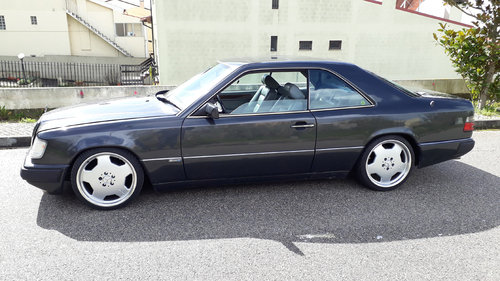 1990 EXCLUSIVE MERCEDES 230 CE COSWORTH For Sale (picture 1 of 6)