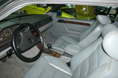 1990 EXCLUSIVE MERCEDES 230 CE COSWORTH For Sale (picture 6 of 6)