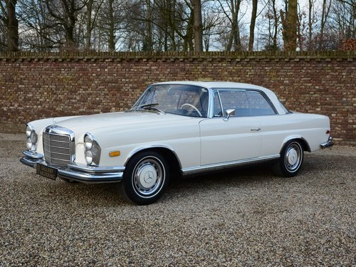 1971 Mercedes Benz 280SE 3.5 Coupe rare Floorshift MANUAL For Sale (picture 1 of 6)