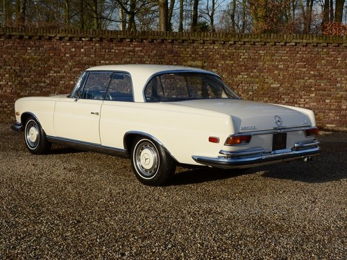 1971 Mercedes Benz 280SE 3.5 Coupe rare Floorshift MANUAL For Sale (picture 2 of 6)