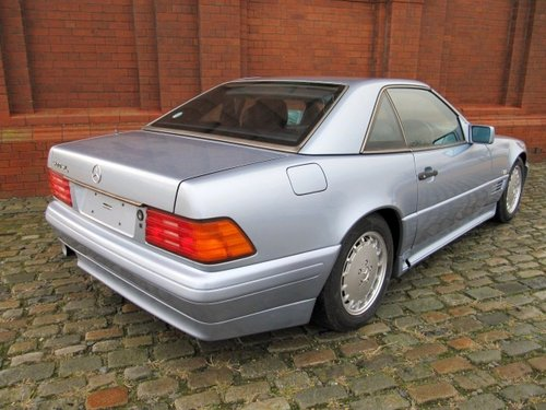 1992 MERCEDES-BENZ SL 500 AUTOMATIC CONVERTIBLE WITH HARDTOP *  For Sale (picture 3 of 6)