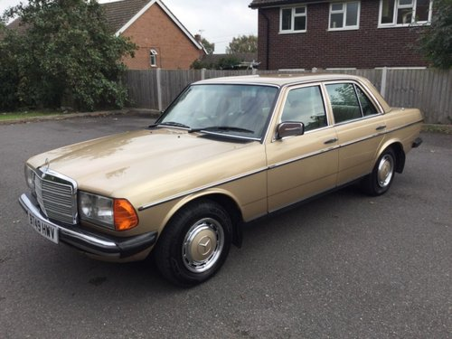 1984 Mercedes 230E saloon  Automatic Immaculate For Sale (picture 1 of 6)