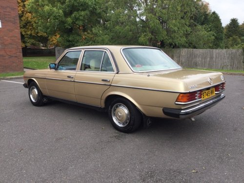 1984 Mercedes 230E saloon  Automatic Immaculate For Sale (picture 3 of 6)