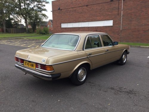 1984 Mercedes 230E saloon  Automatic Immaculate For Sale (picture 4 of 6)