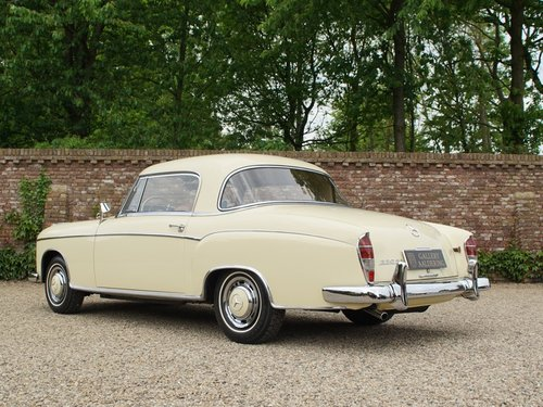 1960 Mercedes Benz 220SE Ponton coupe For Sale (picture 2 of 6)