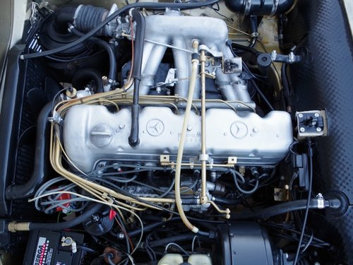1971 Mercedes Benz 280SL Pagode automatic, with only 80.0053 Mls. For Sale (picture 4 of 6)