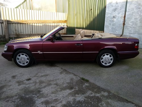 Mercedes E320 Sportline Cabriolet 3.2 litre 6 Cyl 1996N For Sale (picture 3 of 6)